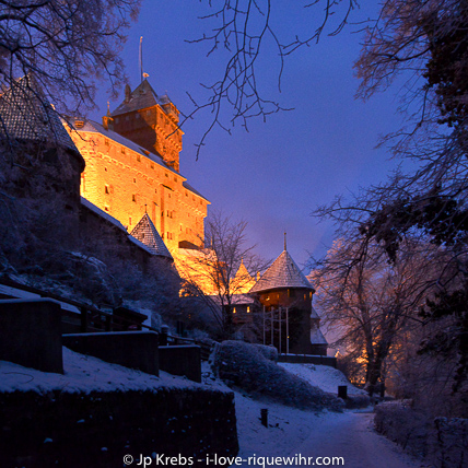 With your access ticket you can join a free guided tour of the castle Haut Koenigsbourg