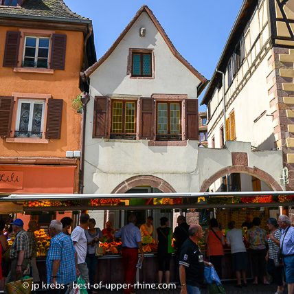Every Tuesday, in Sélestat, there is a beautiful weekly open air market.
